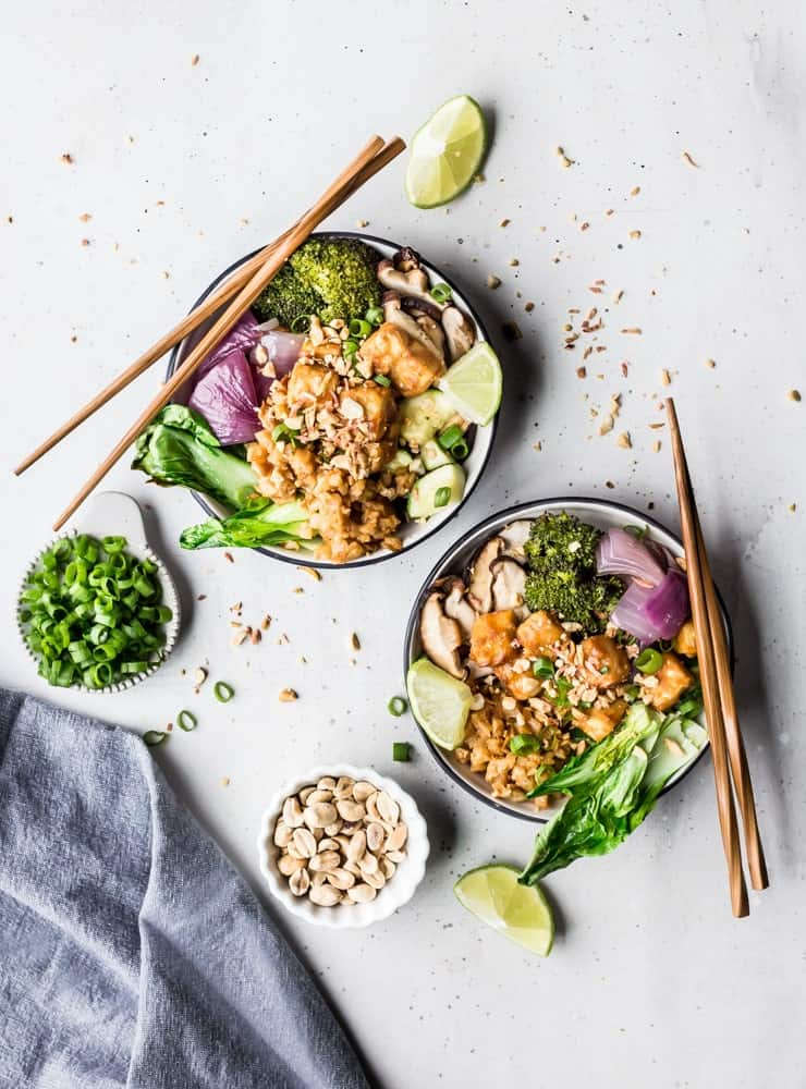 Sriracha Peanut Cauliflower Rice Bowls with Caramelized Veggie